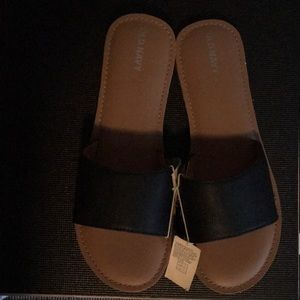 New girls sandal-free w purchase of 2 girls shoes